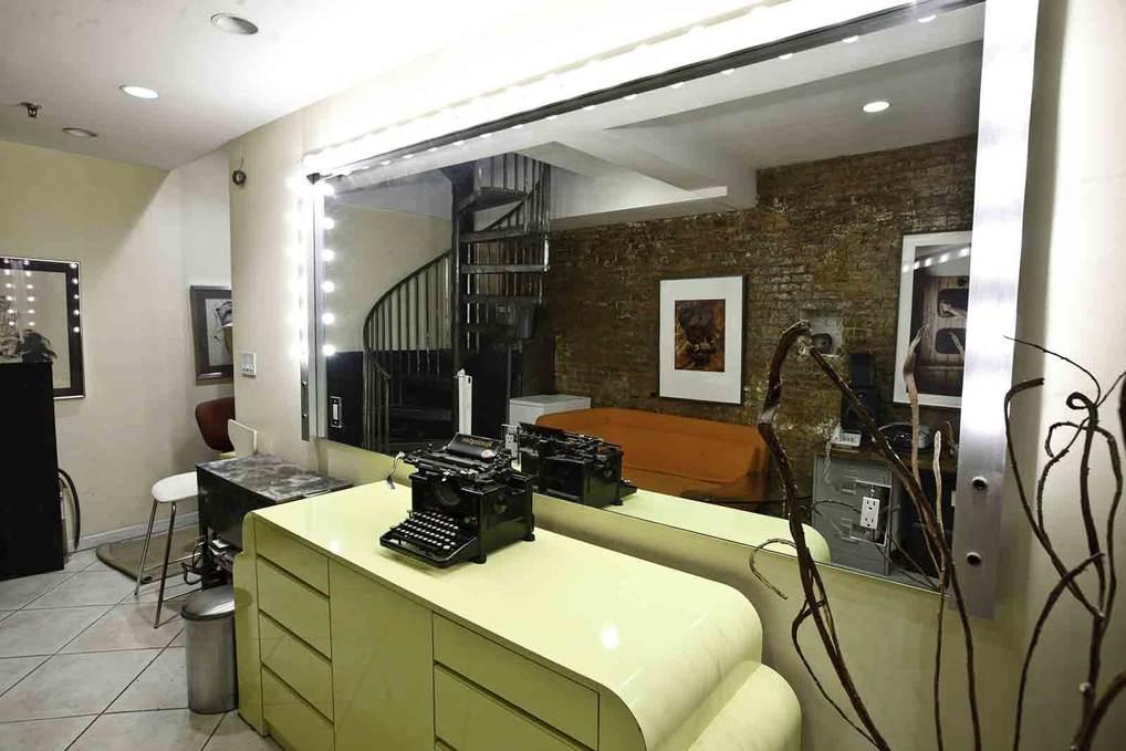 Makeup Station - Loft