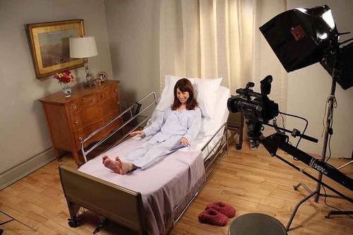 Studio - girl in bed - cameras above