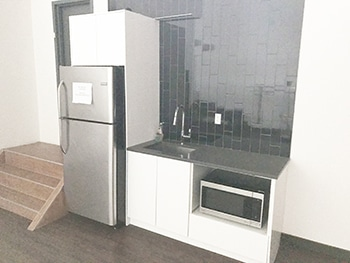 White Cyc Studio - with refrigerator and sink