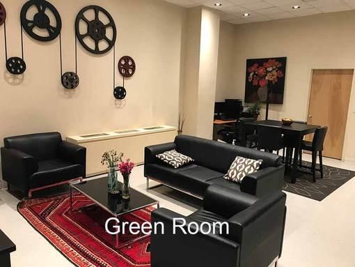 Chelsea Central Green Room 1 - Black sofas - carpet