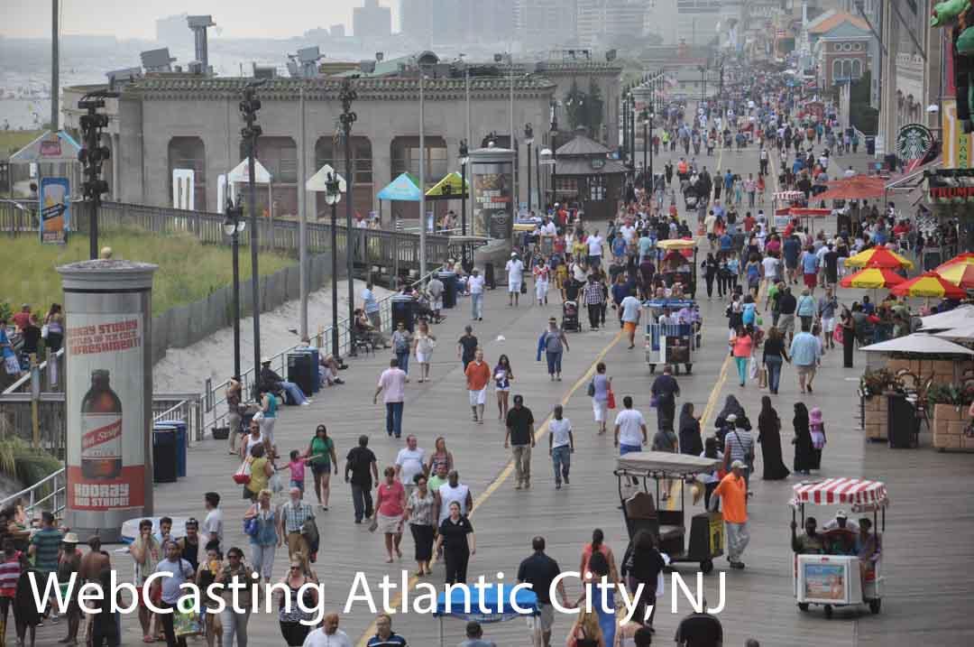 WebCasting Atlantic City boardwalk - lots of people