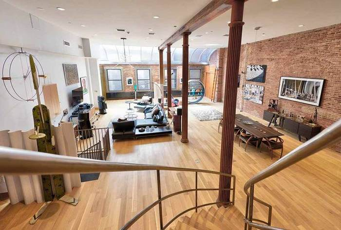 Walker Triplex Loft, Huge with four windows and skylight , high down shot