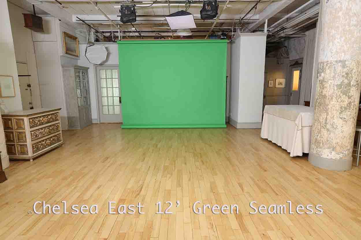 Green Screen in large studio