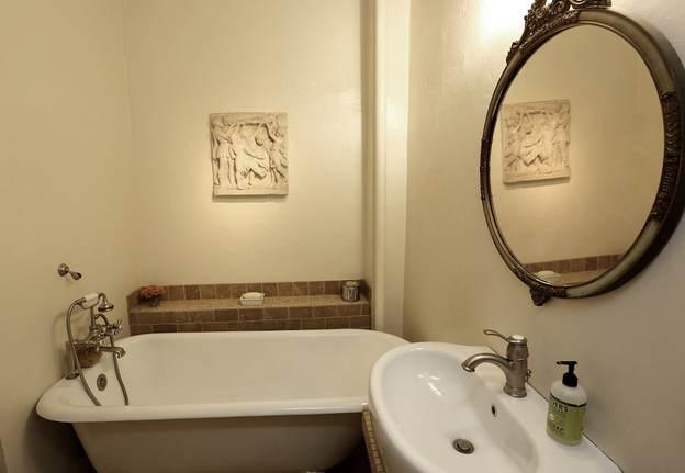 Chelsea East Bathroom