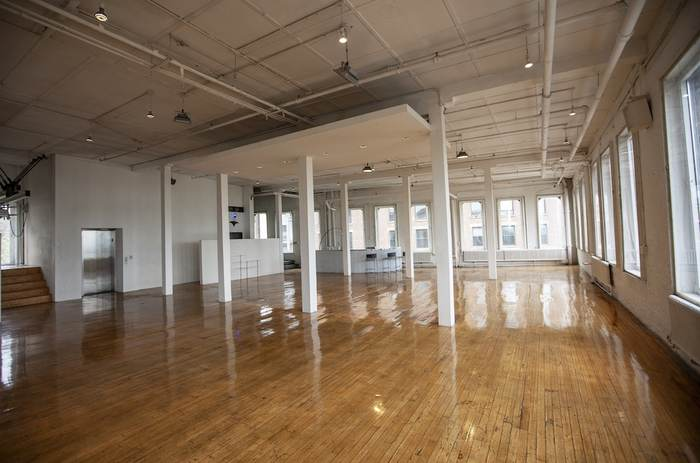 Film Location: Loft & Event Space, NYC 212-219-1075 18