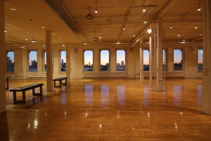 Film Location: Loft & Event Space, NYC 212-219-1075 10