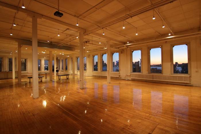 Film Location: Loft & Event Space, NYC 212-219-1075 9
