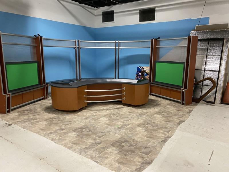 News desk and Set