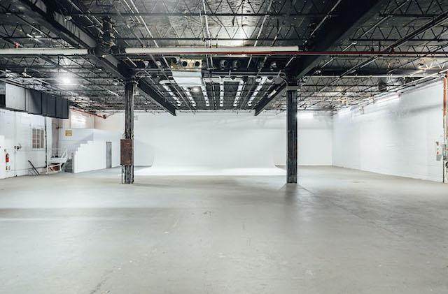 Green Screen Studio | White Cyc Brooklyn 212-219-1075 3