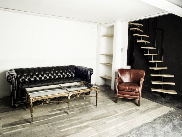 Living area - sofa, table, chair
