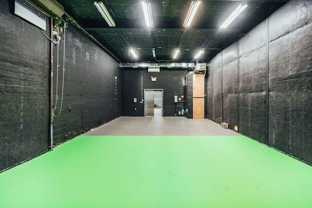 Green Screen Studio | White Cyc Brooklyn 212-219-1075 10