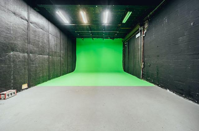 Green Screen Studio | White Cyc Brooklyn 212-219-1075 8