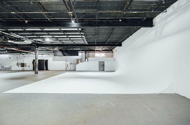 Green Screen Studio | White Cyc Brooklyn 212-219-1075 6