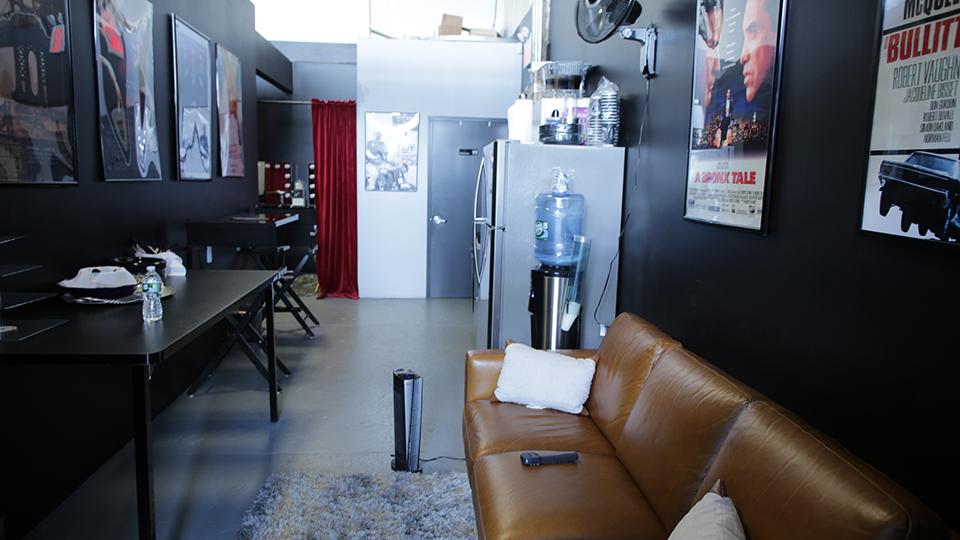 Brooklyn Budget White Cyc Studio green room