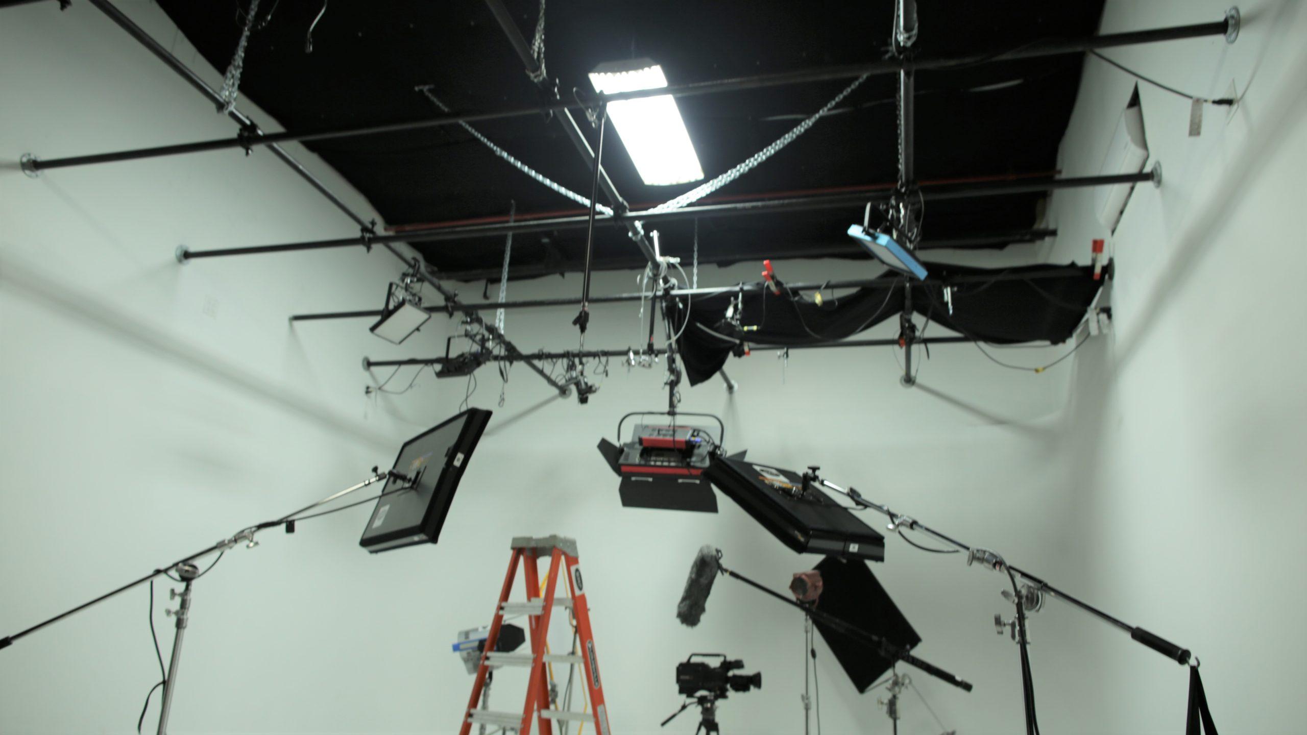Brooklyn Budget White CYC Studio