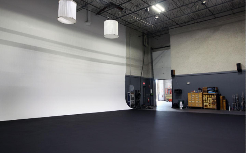 Boston White Cyc and Green Screen Studio