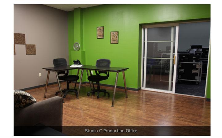 Boston Green Screen and white Cyc Studio