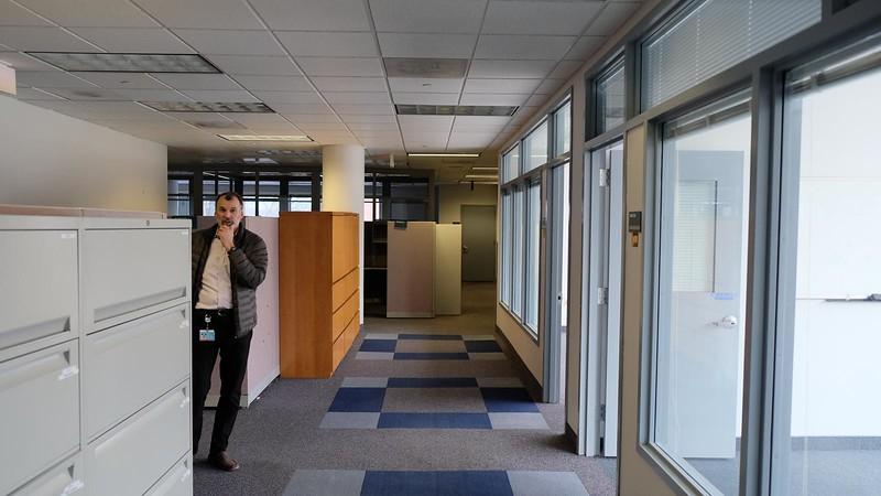 011 - Office, BLDG 180 Lobby