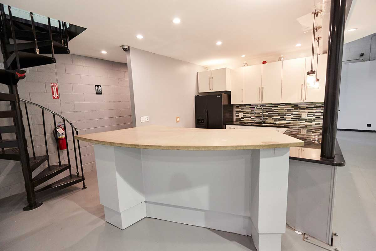 Kitchen in Brooklyn White Cyc & Green Screen Video Studio