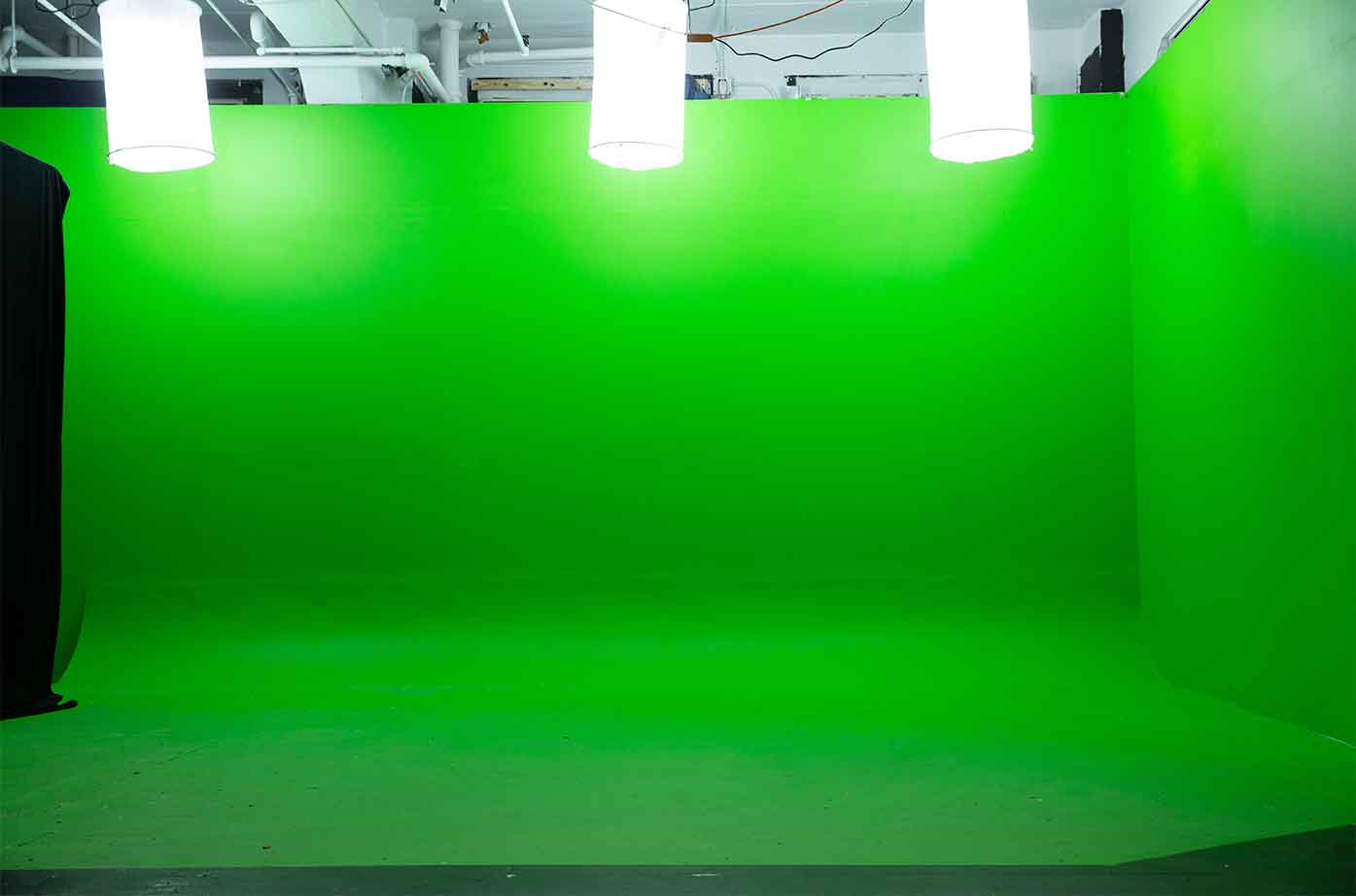 Midtown Green screen Studio green cyc stage